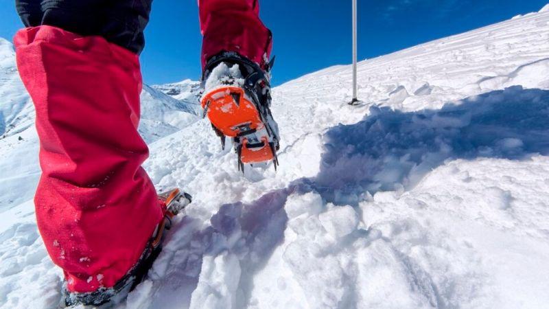 Hvordan hindre å få snø i skoene når du er på tur
